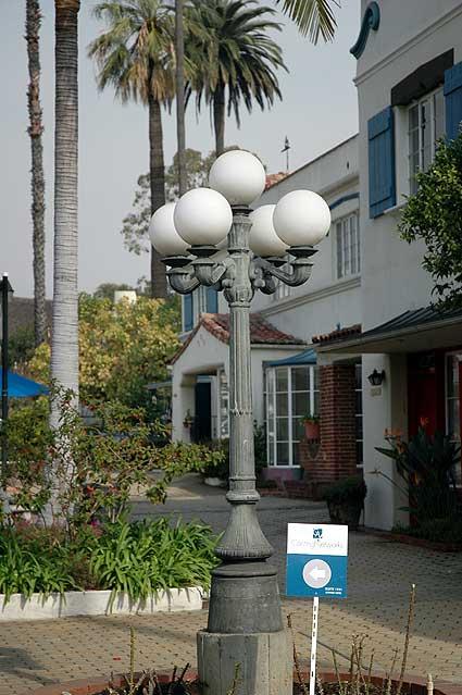 Crossroads of the World (6671 Sunset Boulevard)