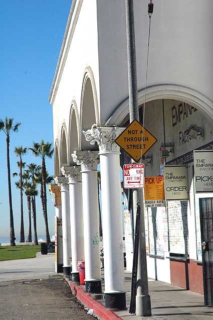 "Venice Beach in Wells' ""Touch of Evil"""