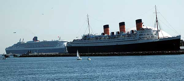 Queen Mary and Queen Mary 2, Long Beach