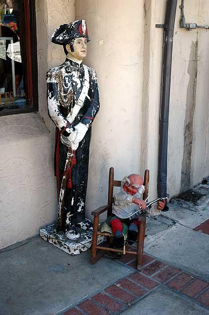 Hollywoodland antique shop, Beachwood Drive