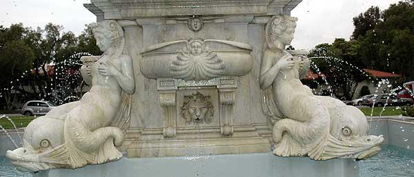 La Fontana del Nettuno, Malaga Cove Plaza