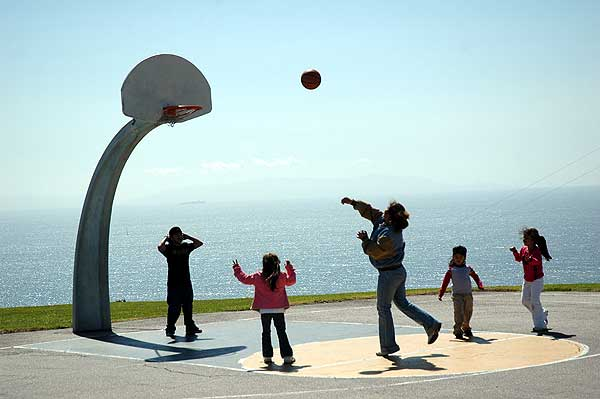 Basketball in the sky, Angels Gate Park