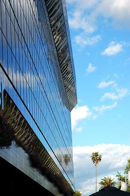 The Pacific Design Center, Cesar Pelli