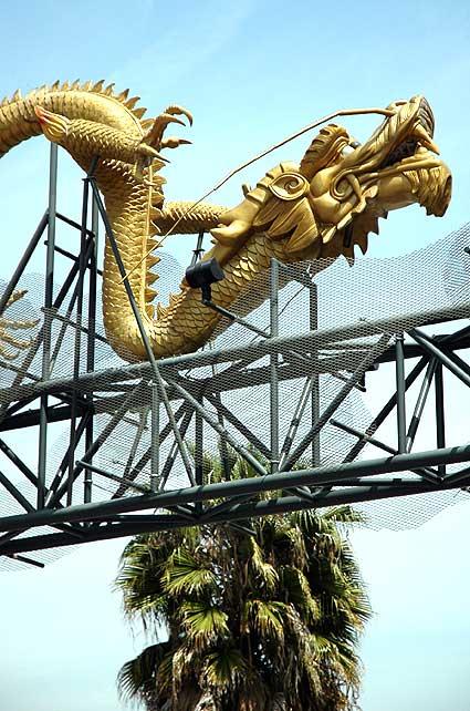 Dragon - Los Angeles' Chinatown