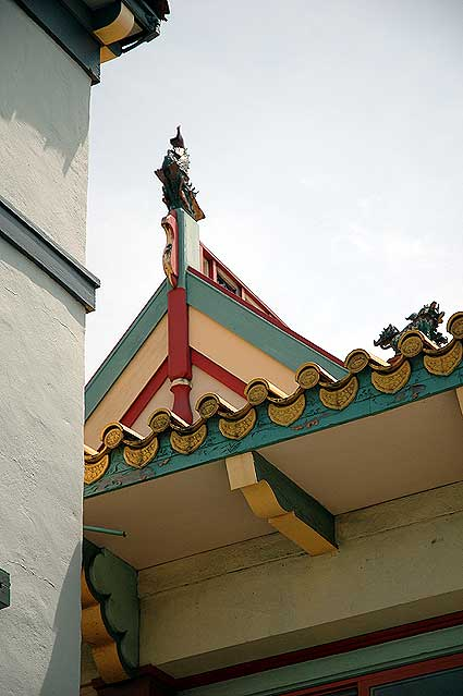 Los Angeles' Chinatown - roof 