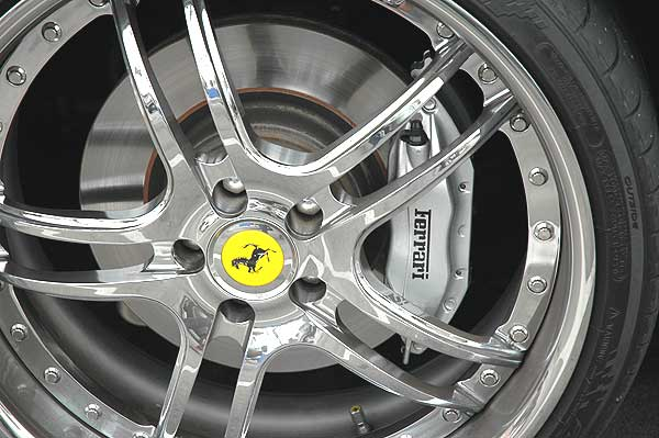 Ferrari 456M parked in Malibu (wheel detail)