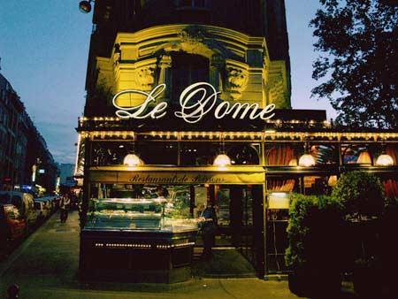 Paris waits - Saturday night before the big game -