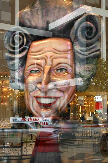 Ersatz Margaret Thatcher, Beverly Hills 12-8-05