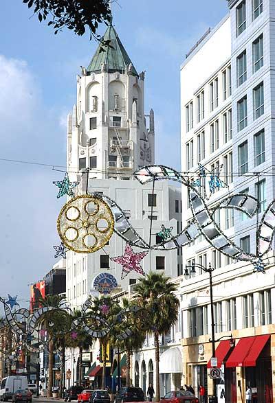 Hollywood Boulevard at Christmas (12/16/05)