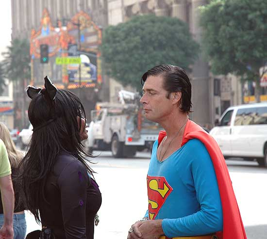 Cat Woman and Superman chat - Hollywood Blvd