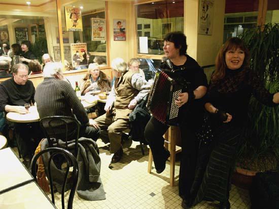 Café Insolite, Paris, 6 January 2006