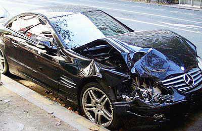Wrecked Benz on Paris Street - 20 Nov 2005
