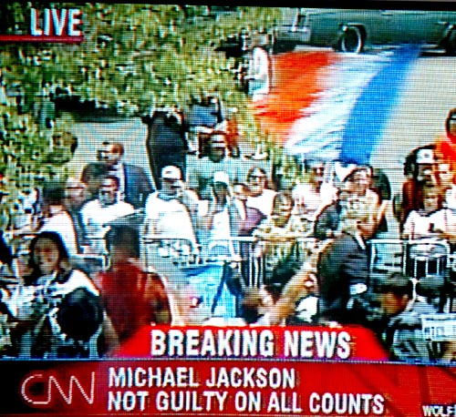 Michael JAcson Trial - French Flag