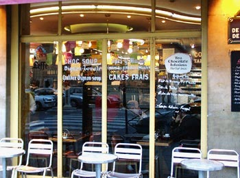 Paris, Friday, November 25 - Street Scene