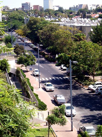 Ramat Aviv During Shabbat - No Traffic