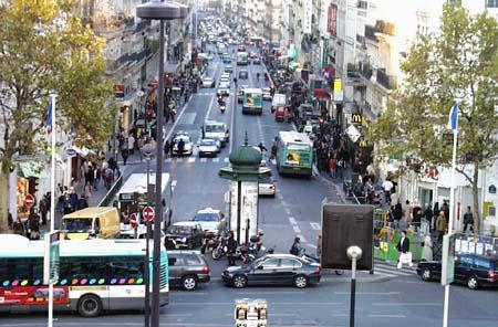 Tuesday, 8 November 2005 on rue des Rennes...